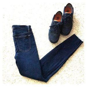 Joe's women's dark blue skinny jeans size 25